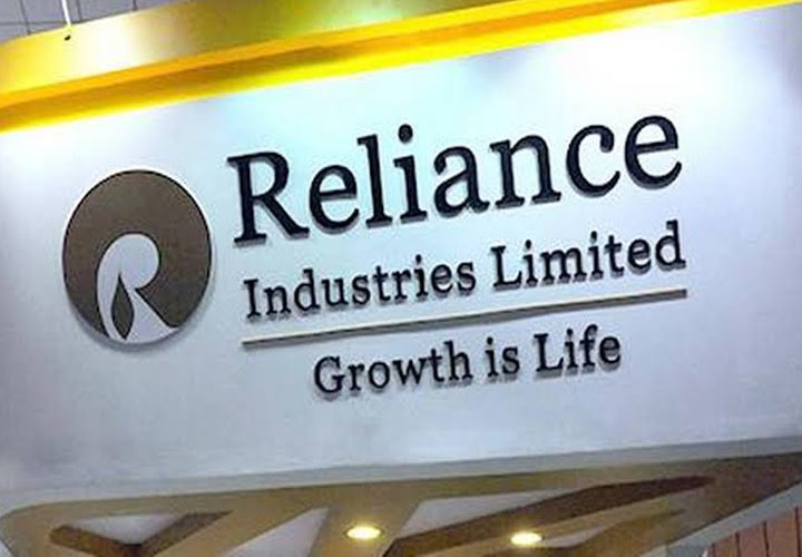 RIL shares hit all-time high, m-cap tops Rs 9.5 lakh crore