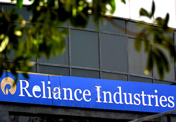 RIL becomes India's biggest company in revenue terms