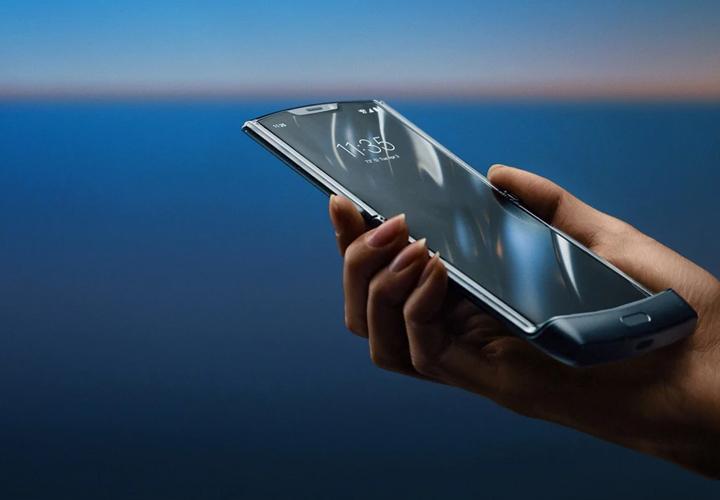Motorola Razr (2019) With 6.2-Inch Flexible Display, Traditional Flip