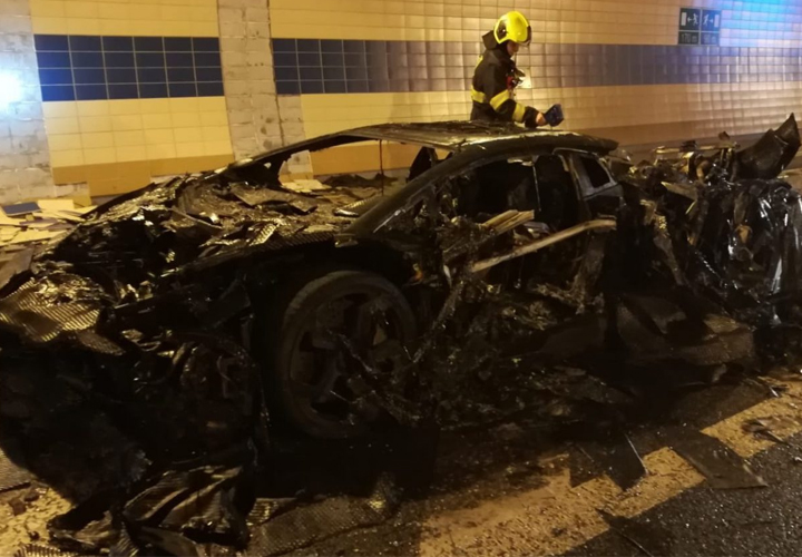 NEWS1,250 HP Lamborghini Aventador Carbonado Turns Into Trashado After Burning In Tunnel