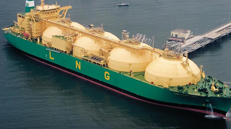 When the world moves to LNG