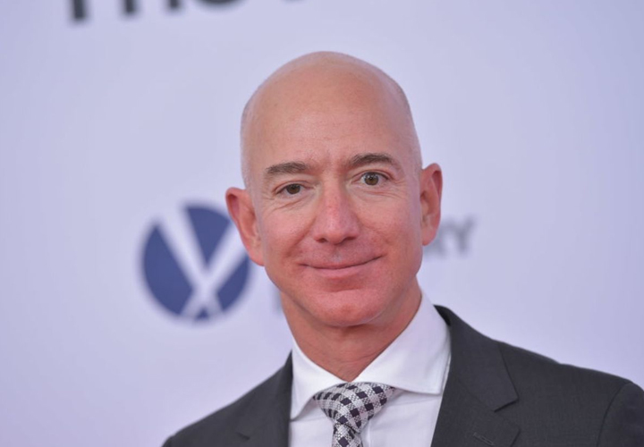jeff bezos will visit in india on january
