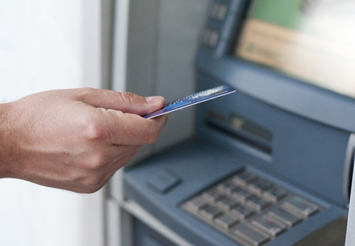 HDFC Bank customer? Now withdraw cash through Mobile ATMs amid lockdown