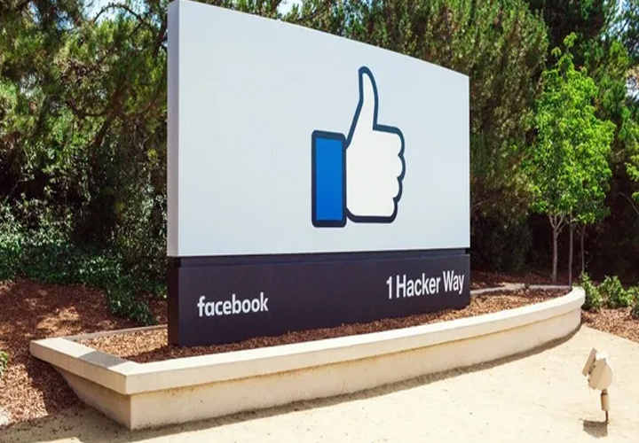 Facebook beats earnings expectations, but warns of significant growth slowdown