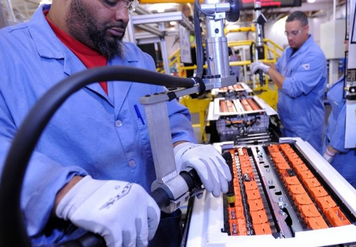 Karnataka allows factories to extend working hours