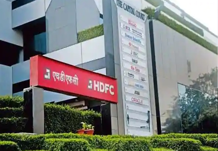 RBI Bars HDFC Bank From Digital Launches, Sourcing New Credit Card Customers