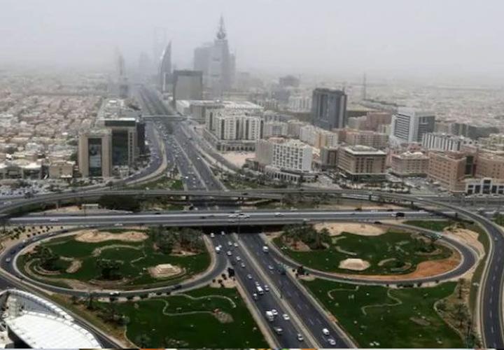 Saudi Arabia: 571,000 foreigners leave job market