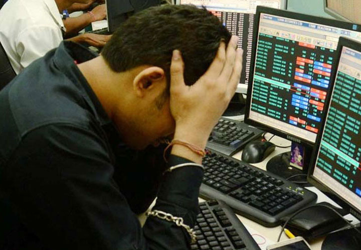 Selling drags Sensex 324 pts, Nifty ends a tad below 11,500