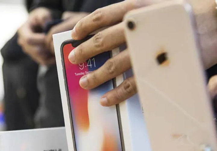 Apple begins exporting India-made iPhones to European markets