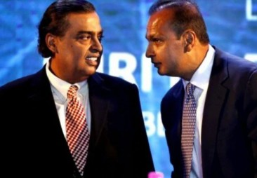 Mukesh Ambani's Reliance Jio planning to bid for brother Anil's RCom in bankruptcy