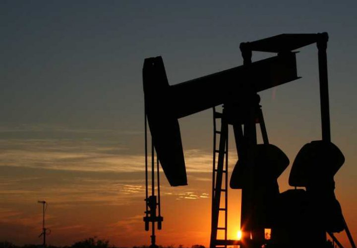 crude price gain 9% uk economy face economic crisis