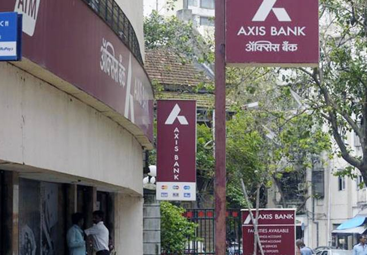 Axis Bank ties up with Max Life
