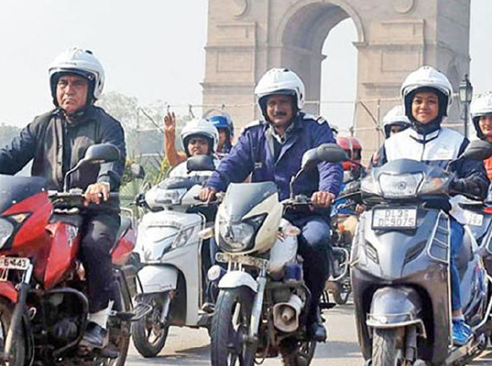 Govt may levy green cess of Rs 1,000 on petrol two-wheelers in bid to subsidise e-scooters